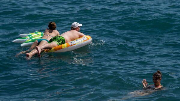 Курортники лето море пляж