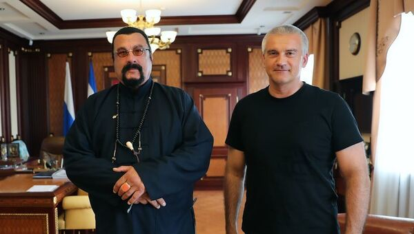 Стивен Сигал и Сергей Аксенов