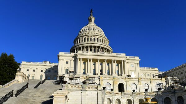 Капитолий (United States Capitol) на Капитолийском холме в Вашингтоне.