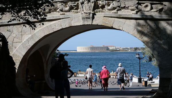 Драконий мост. Севастополь. Приморский бульвар.  Константиновская батарея