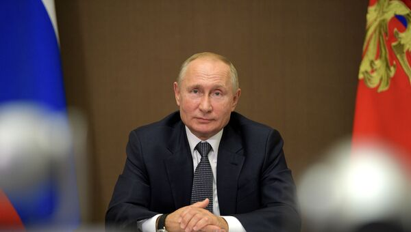 Президент РФ В. Путин встретился с президентом Молдавии И. Додоном