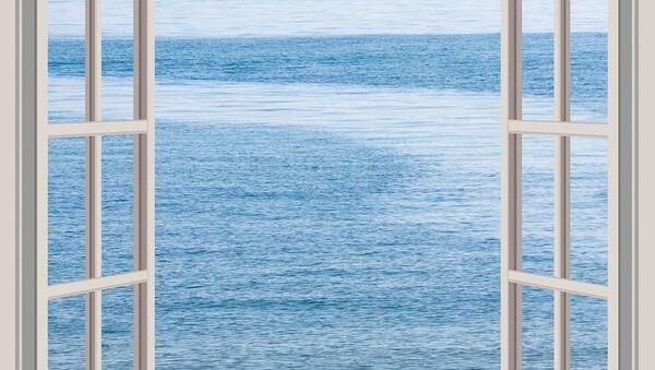 Море за окном