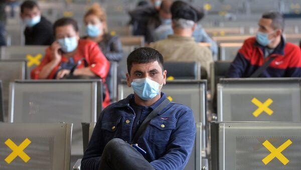 Экспресс-тестирование пассажиров на COVID-19 в аэропорту Внуково