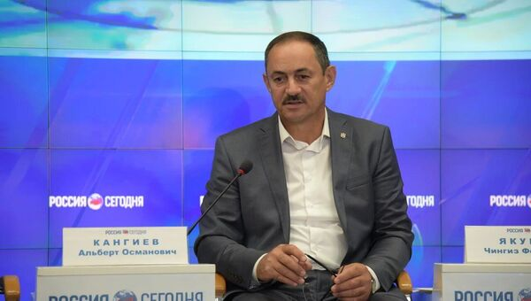 Председатель Государственного комитета по делам межнациональных отношений Республики Крым Альберт Кангиев