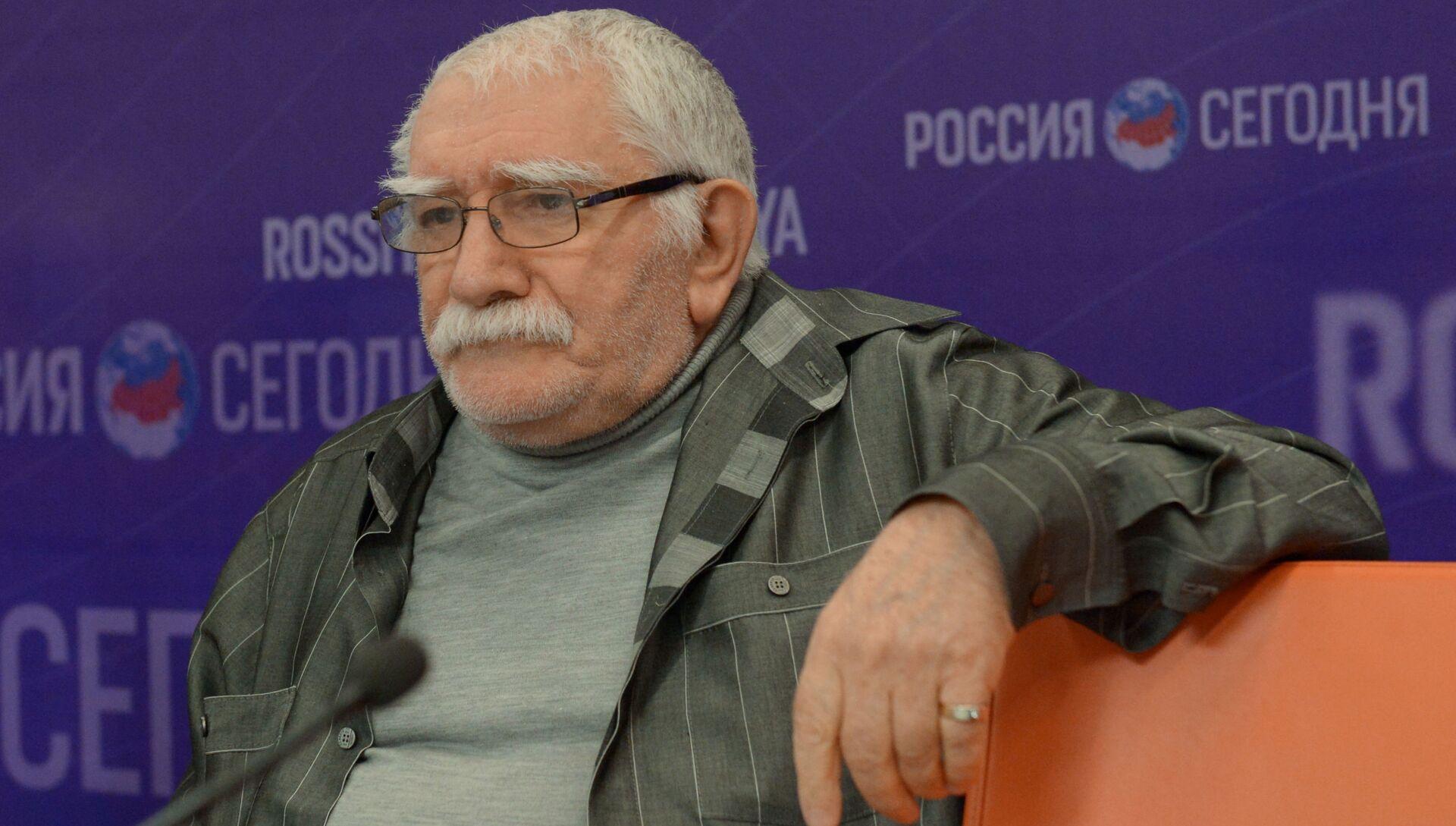 Актер и режиссер Армен Джигарханян - РИА Новости, 1920, 14.11.2020
