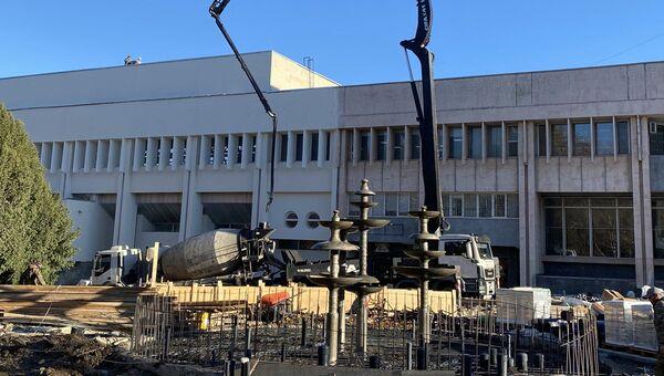 Реконструкция сквера возле ДКП в Симферополе