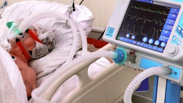Работа временного госпиталя для больных коронавирусом