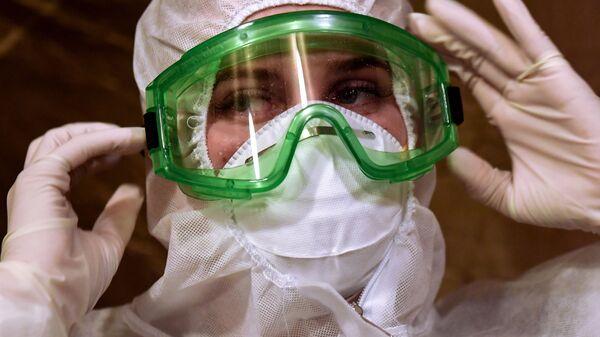 Развертывание мобильного госпиталя для пациентов с COVID-19 в Симферополе