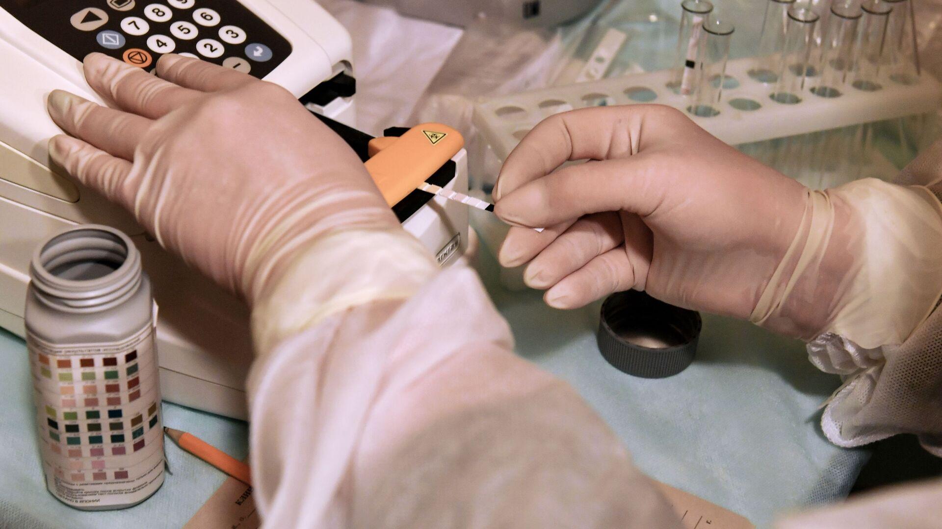 Развертывание мобильного госпиталя для пациентов с COVID-19 в Симферополе - РИА Новости, 1920, 08.07.2021