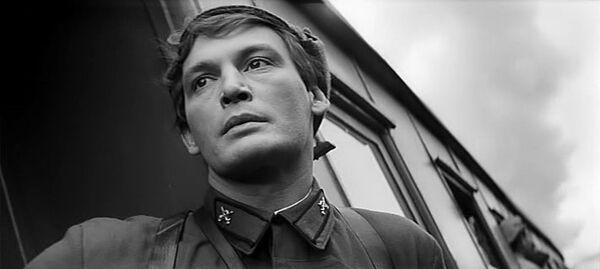 Кадр из фильма Офицеры (1971). В роли Ивана Варравы - Василий Лановой