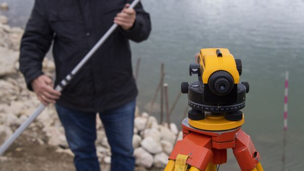 Измерение уровня воды на Аянском водохранилище