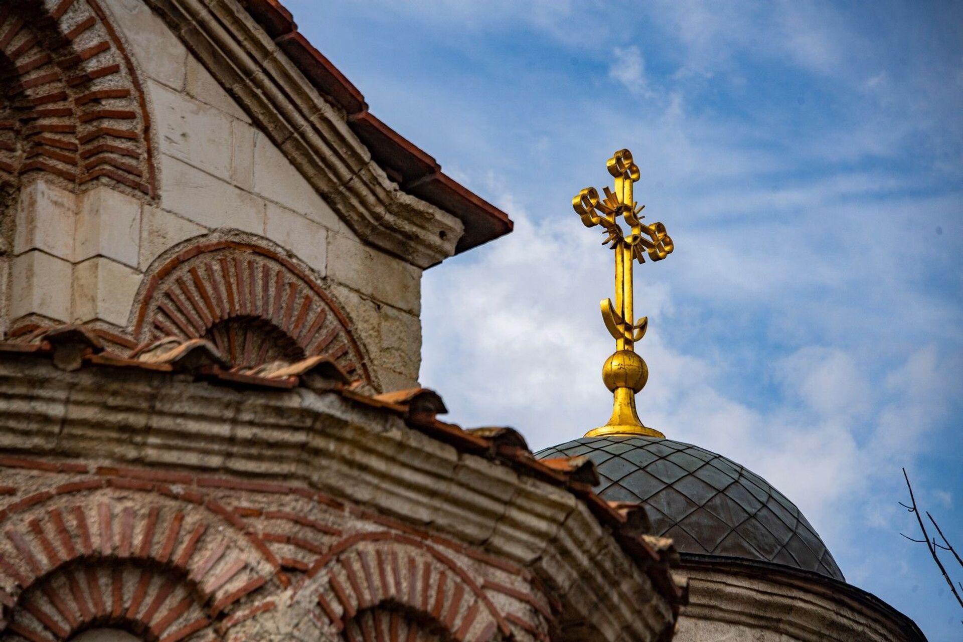 Шалманы выше куполов: в Керчи разрушается самый древний храм России - РИА Новости, 1920, 25.02.2021