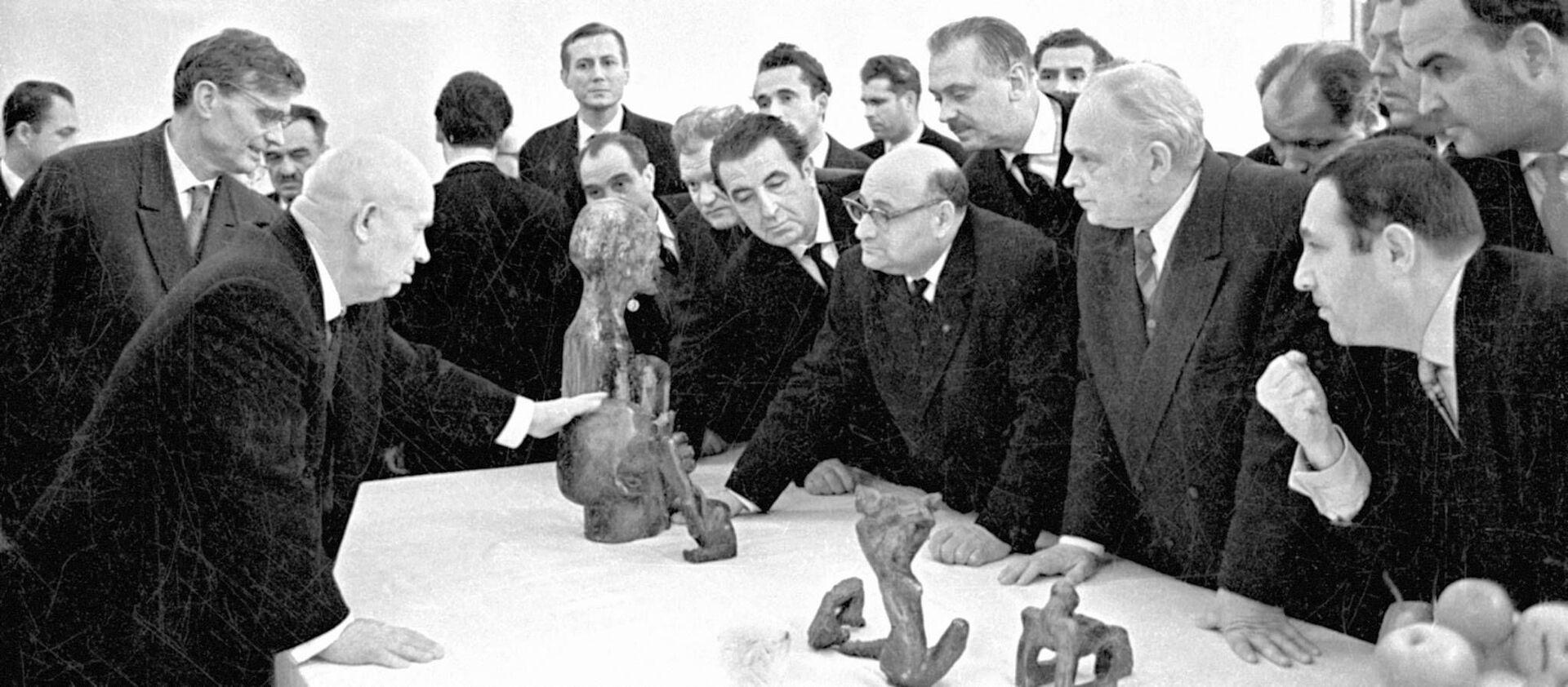 Били по личности, а попали в систему: как и зачем убивали Сталина - РИА Новости, 1920, 25.02.2021