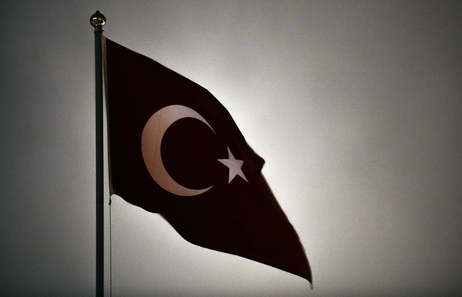 Флаг Турецкой Республики на здании посольства Турецкой Республики в Москве - РИА Новости, 1920, 25.02.2021