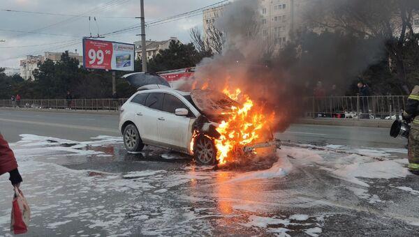 В Севастополе сгорел автомобиль
