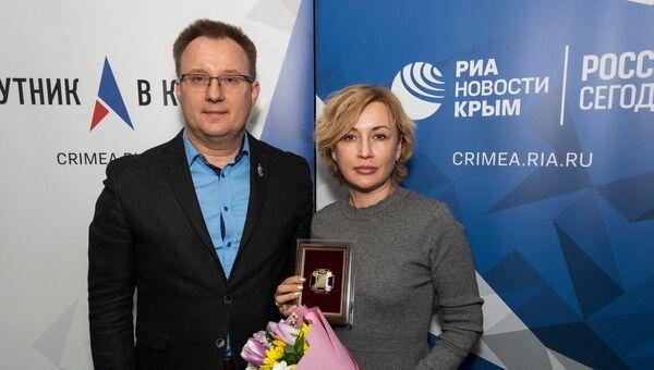 Председатель союза журналистов Крыма Андрей Трофимов и шеф-редактор радио Спутник в Крыму  Ирина Мульд