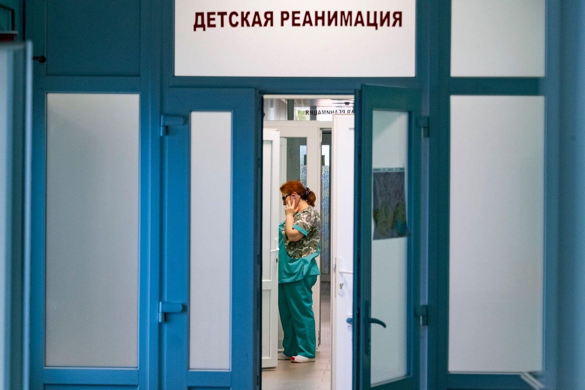 Выгоревшие стены и душные костюмы: как роддом в Крыму пережил COVID - РИА Новости, 1920, 04.03.2021