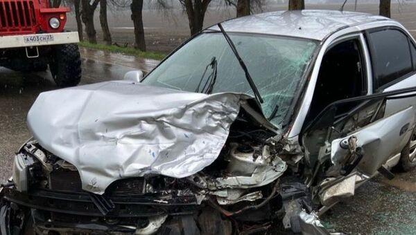 В Каневском районе Краснодарского края в лобовом столкновении двух иномарок погибла трехлетняя девочка