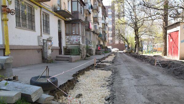 Мэр Симферополя оценил ход благоустройства скверов и дворов в городе