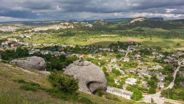 Скалы над селом Красный Мак