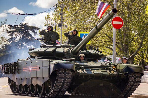 Парад Победы в Севастополе 2021