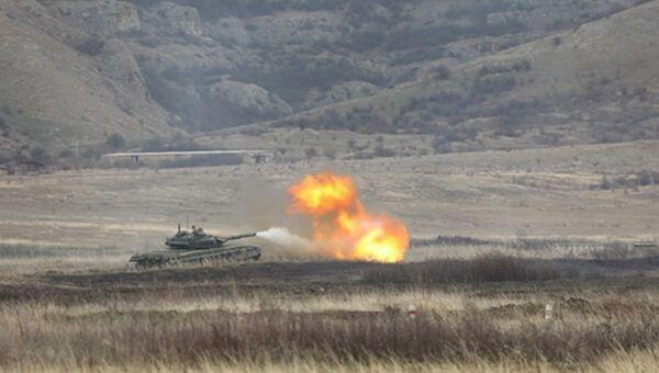 Танковые батальоны береговой обороны Черноморского флота провели учения в Крыму