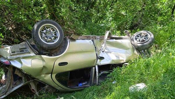 Под Бахчисараем  машина улетела в кювет: трое пострадал