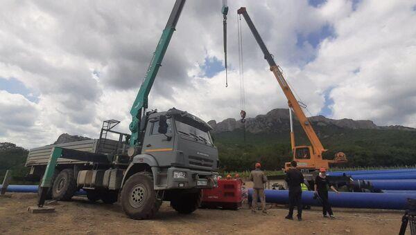 Прокладка новой линии водовода Феодосия-Судак
