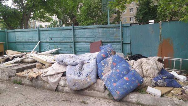 Как убирают мусор в столице Крыма: было