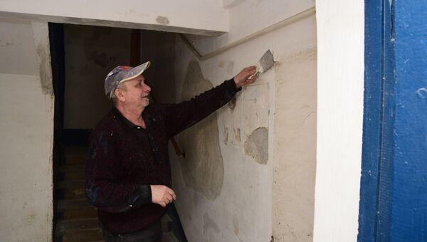 Как ремонтируют подъезды в многоэтажках Симферополя