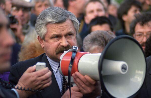 Вице-президент России Александр Руцкой