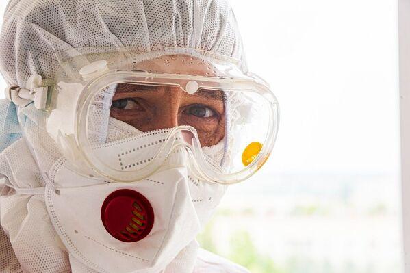 Врачи и медсестры мечтают поскорее вернуться к доковидным будням своих отделений.