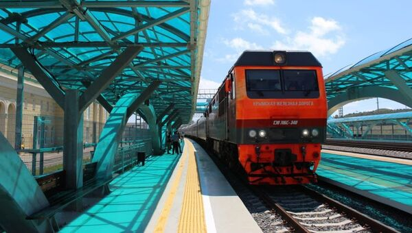На новую станцию Керчь-Южная прибыл первый поезд