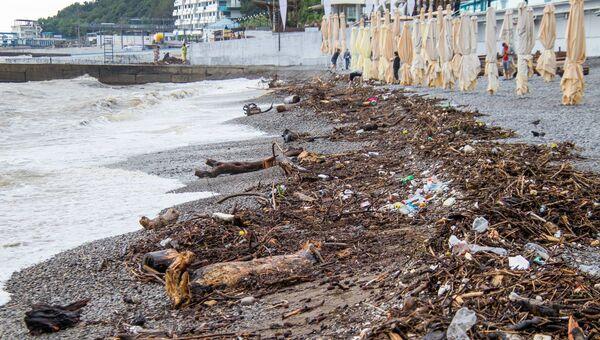 Пляжи Ялты после наводнения и схода селевых потоков 18 июня 2021 года