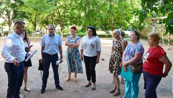 Валентин Демидов на встрече с жителями Симферополя