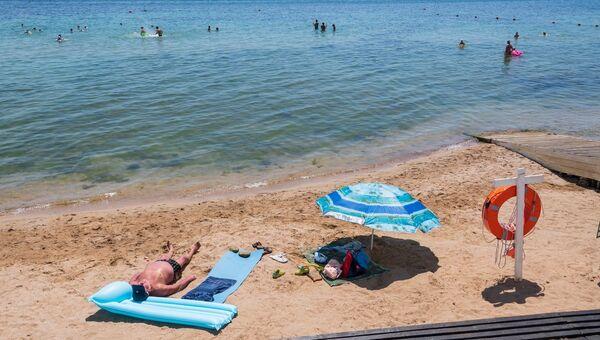 Пляж оборудованный спасательными средствами