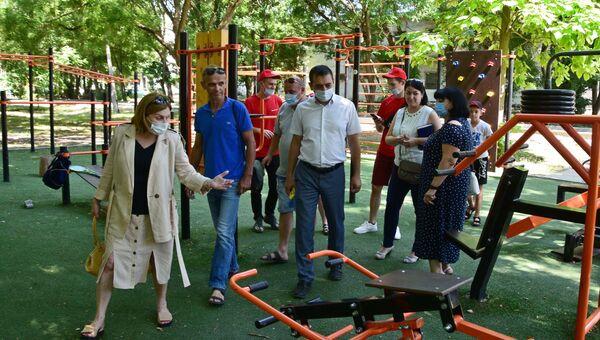 В парке Гагарина Симферополе проверили аттракционы и спортплощадки
