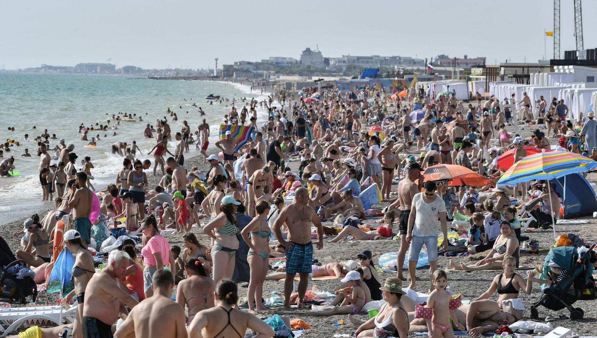 Пляжный отдых в Крыму - РИА Новости, 1920, 21.07.2021
