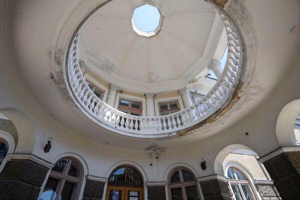Входная ротонда в административный корпус санатория Старый Крым
