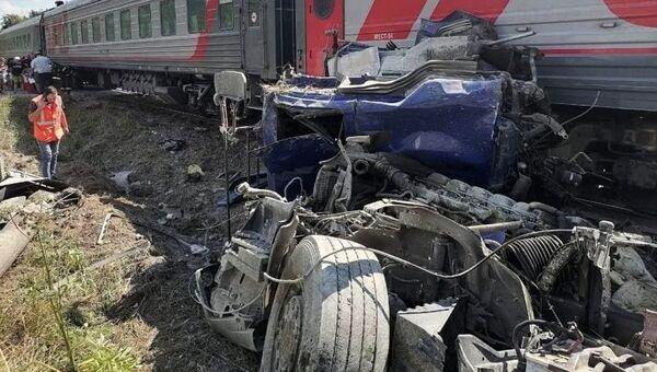 ДТП на железнодорожном переезде в Калужской области