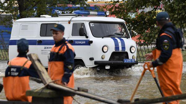 Ликвидация последствий подтоплений после сильного ливня в Керчи