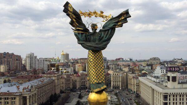 Монумент Независимости на площади Независимости в Киеве, 2021 год