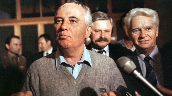 Президент СССР Михаил Горбачев после возвращения из Фороса, 22 августа 1991 года