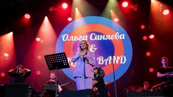 Ольга Синяева и Allsee Band  на сцене фестиваля Koktebel Jazz Party