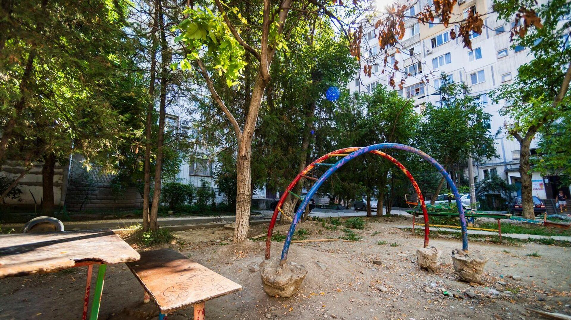 Детская площадка в Симферополе - РИА Новости, 1920, 13.09.2021