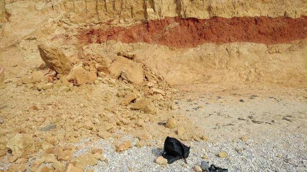 Обвал на пляже в Любимовке