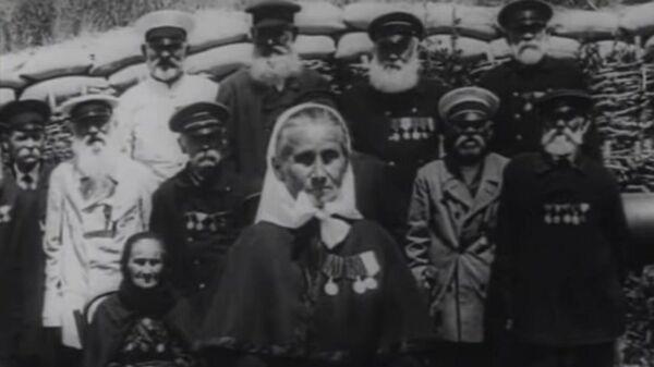 Ветераны Крымской войны. Женщина в белом платочке (справа) —сестра милосердия. Возможно, что даже Дарья. Но не та…