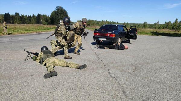 Украинские силовики провели  учения у границы с Россией