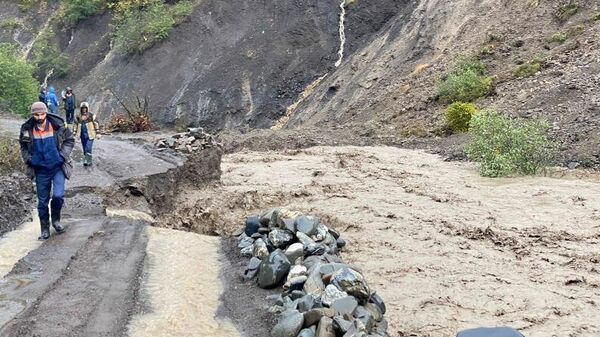 Ливни разрушили дороги в Дагестане