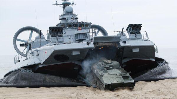 Малый десантный корабль на воздушной подушке Евгений Кочешков проекта 12322 Зубр